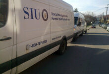 A van with the decals of Ontario's Special Investigations Unit